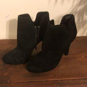🖤 Gianni Bini black booties 🖤